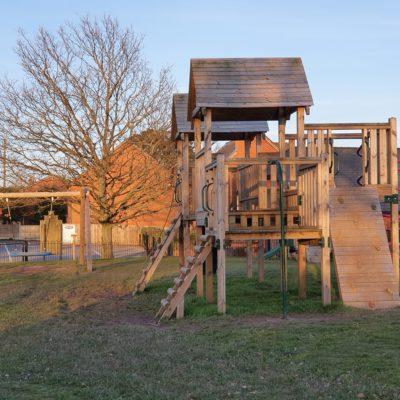 Bar Meadow Playground Photo 4